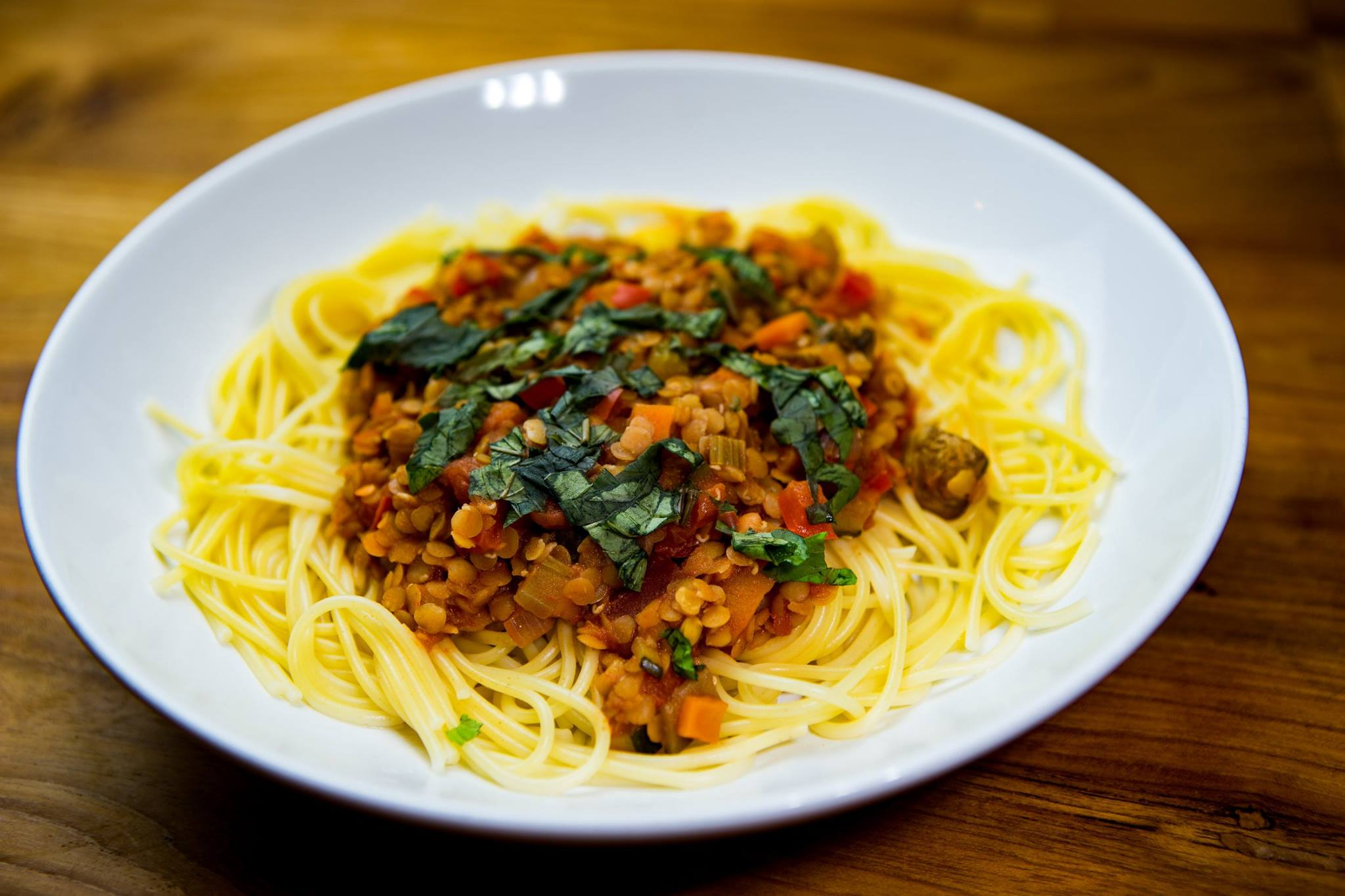 Vegetarian and vegan food doesn't have to be boring – Lentil bolognaise